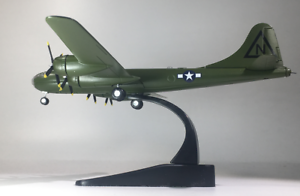 New-1-144-Green-WWII-USAF-B-29-Superfortress-Bomber-Aircraft-3D-Alloy-Model