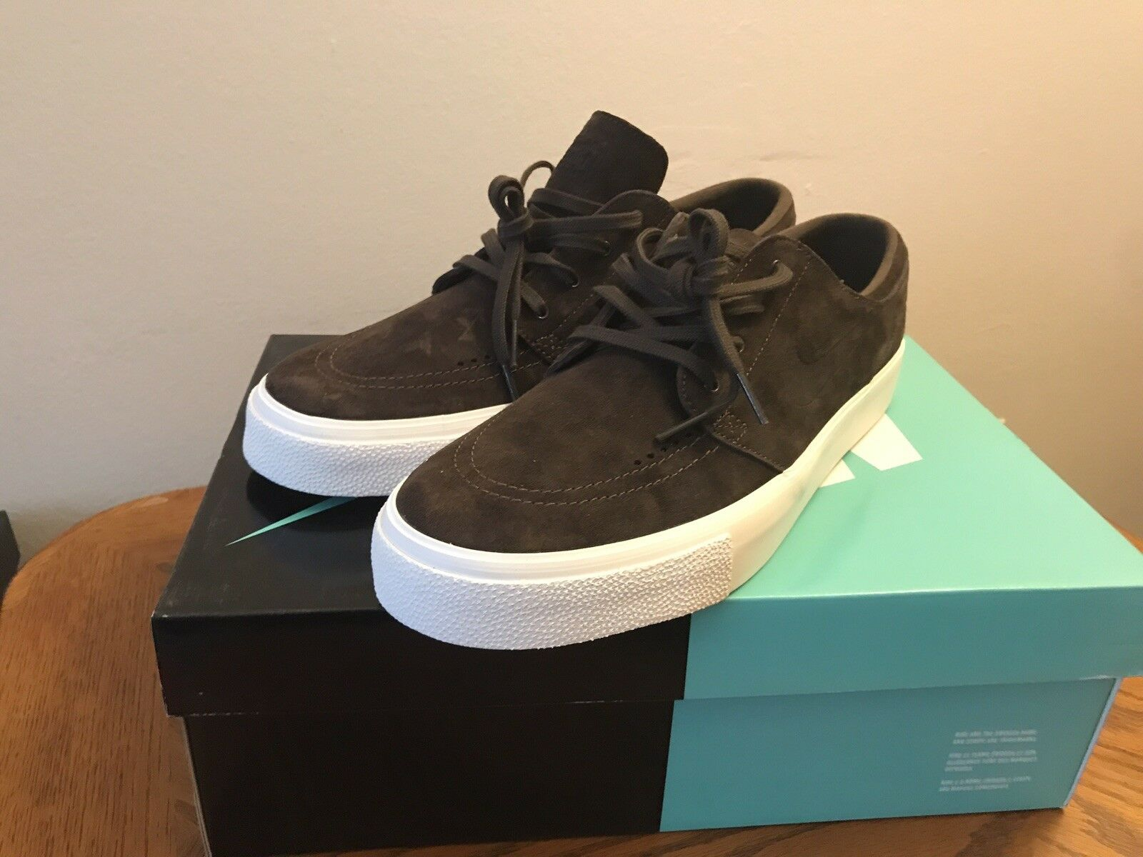 NEW   Nike Sb Janoski HT Brown White