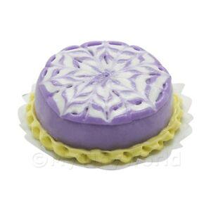 Maison-de-poupees-miniature-violet-Bakewell-gateau