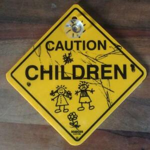 1 schild 12cm achtung kinder hinweis warn caution children. Black Bedroom Furniture Sets. Home Design Ideas