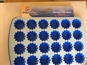 Wilton-Easy-Flex-Silicone-Bite-Size-Daisy-Mold-24-Cavity-W4889