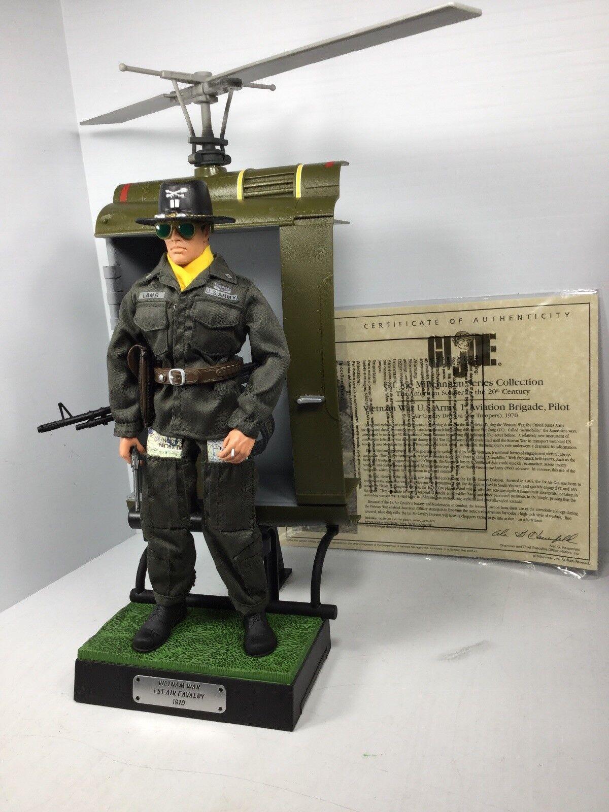 1 6 US 1ST AIR CAV HUEY GUNSHIP HELICOPTER PILOT DIORAMA VIETNAM DRAGON BBI