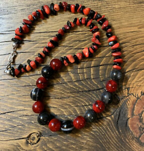 2000-Red-and-Black-Agate-and-Quartzite-18-inch-Necklace-Sterling-Silver-925