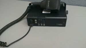 Motorola-Radius-GM300-UHF-16-channels-25-watts-403-430-MIC-amp-BRAKET