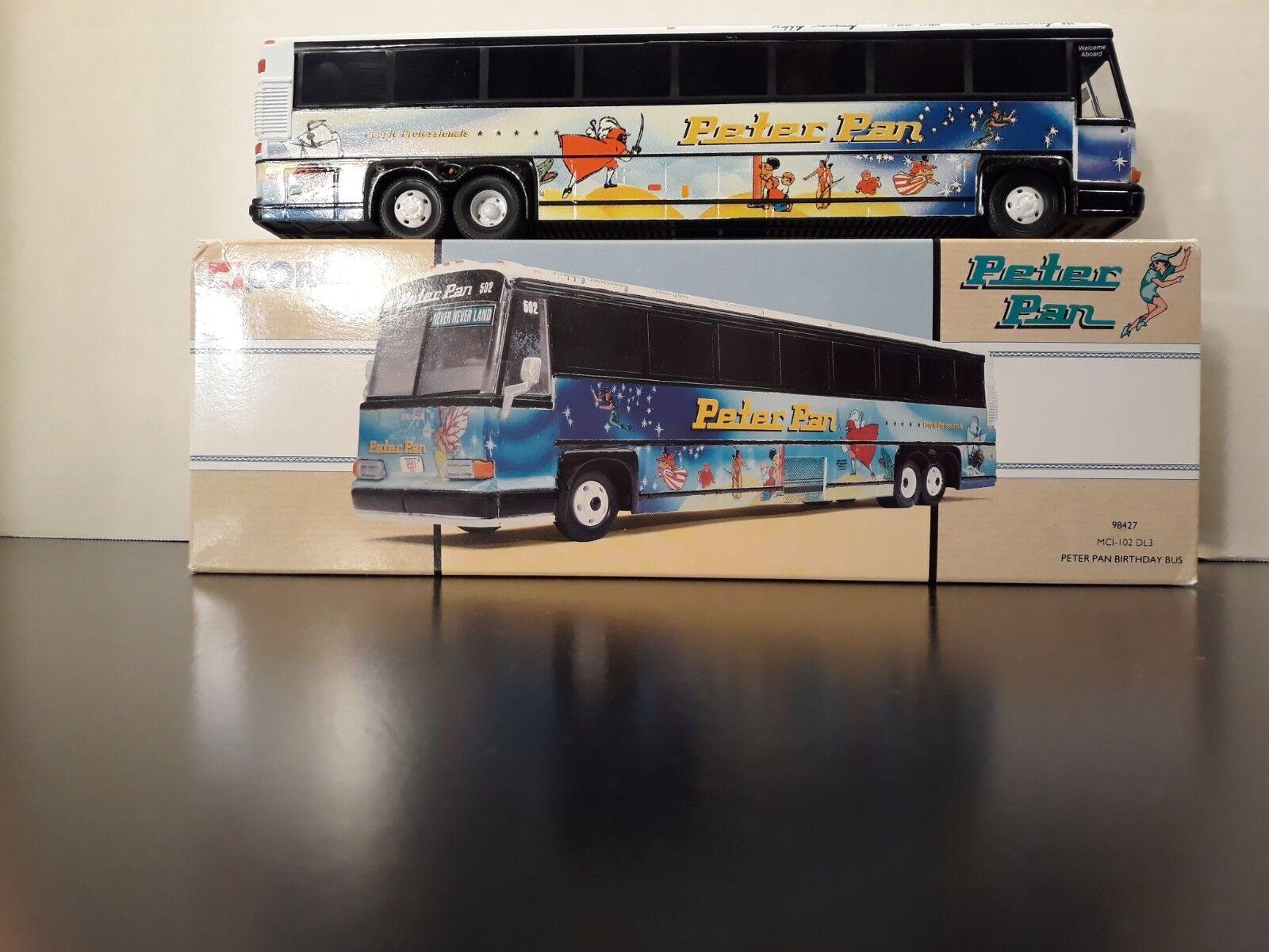 Corgi Peter Pan Birthday Bus MCI-102 DL3 1 50 (  6372 of 8000)