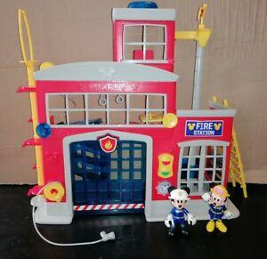DISNEY-MICKEY-MOUSE-CLUBHOUSE-Station-con-figure-Fire-amp-un-sacco-di-accessori