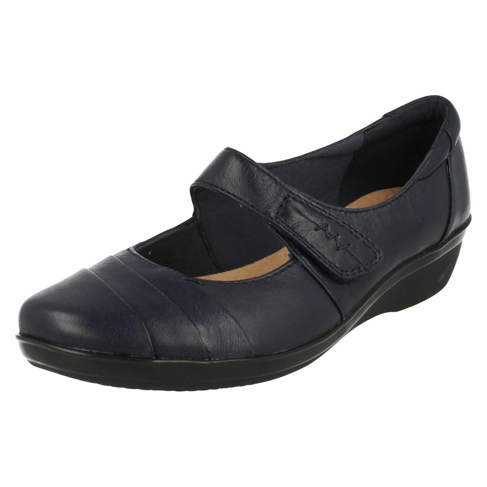 Clarks Everlay Kennon Ladies Navy shoes E Fit (R17A)