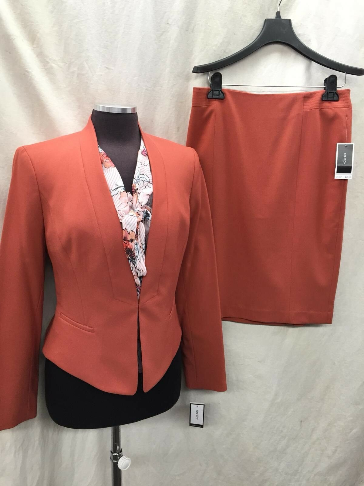 NINE WEST SKIRT SUIT SIZE 6 NEW WITH TAG RETAIL LINED TANK NOT INCLUDED