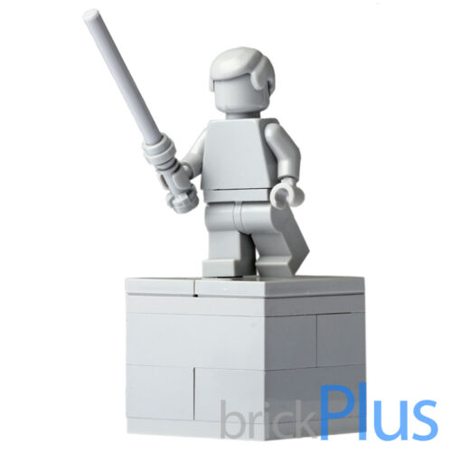 LEGO Custom Lego Star Wars LUKE SKYWALKER STATUE Gray Display w Light Saber