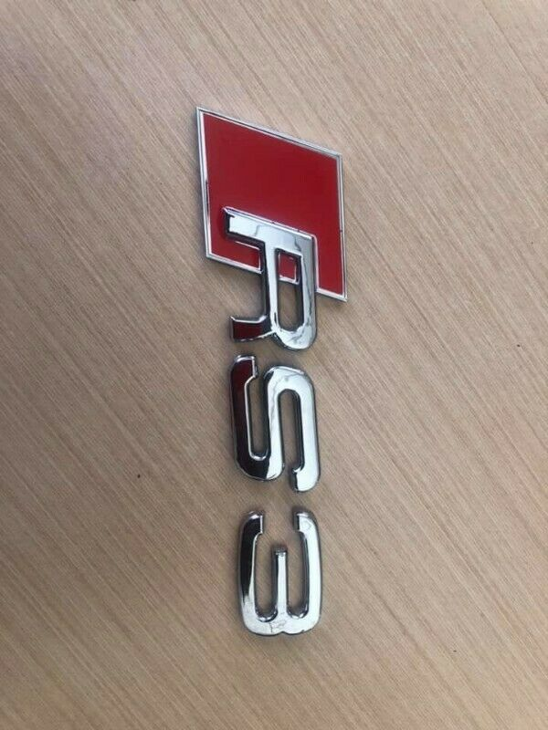 Audi RS3 badges