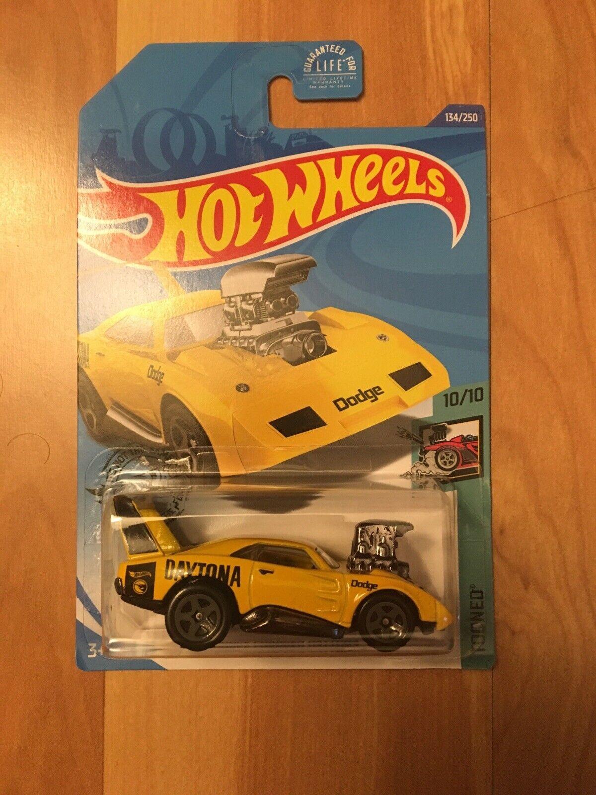 Hot wheels treasure hunt dodge charger daytona 2020-134 np21