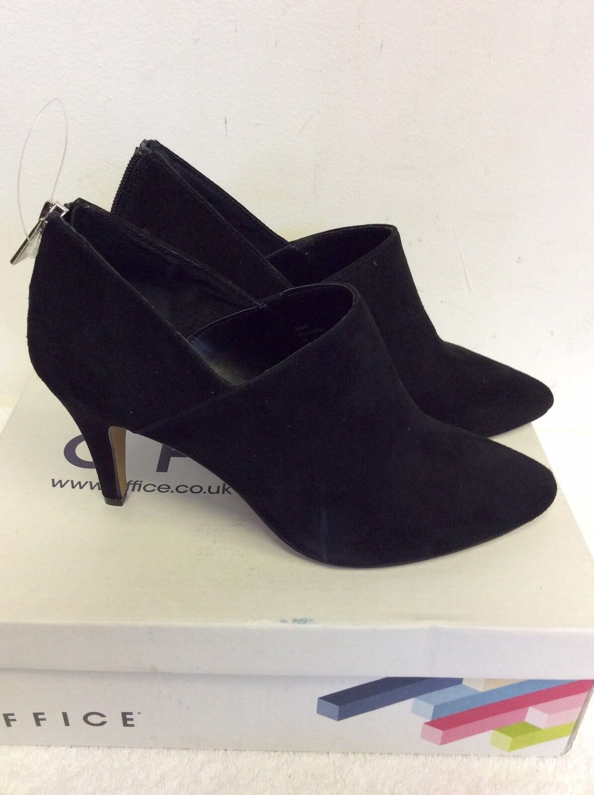 BRAND NEU OFFICE BLACK SUEDE HEEL FAITHFUL DRESSY SHOE BOOTS SIZE 5/38 COST