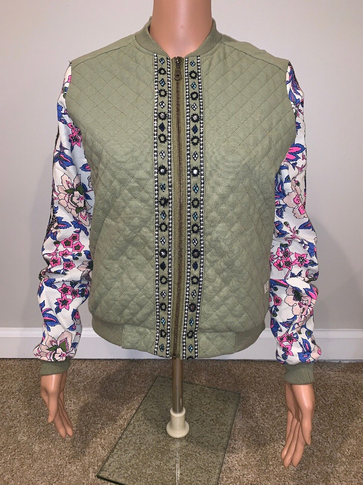 Billabong Women's Small Green With Flowers Bomber Style Coat Cotton Quilted