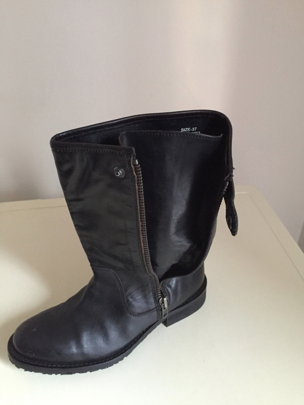 BLACK LEATHER  BOOTS SIZE 4 BY FRENCH CONNECTION