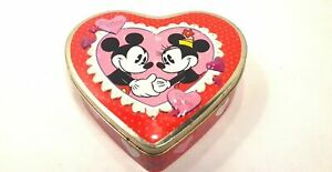 WDW Disney MIckey & Minnie Mouse Be Mine! Valentine Heart Shaped Tin Red & Pink