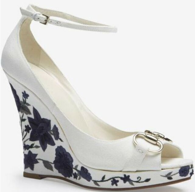 51efeaa44ef GUCCI AUTH  1499 Women s White Wedge With Blue Embroidery on Heels Size 6