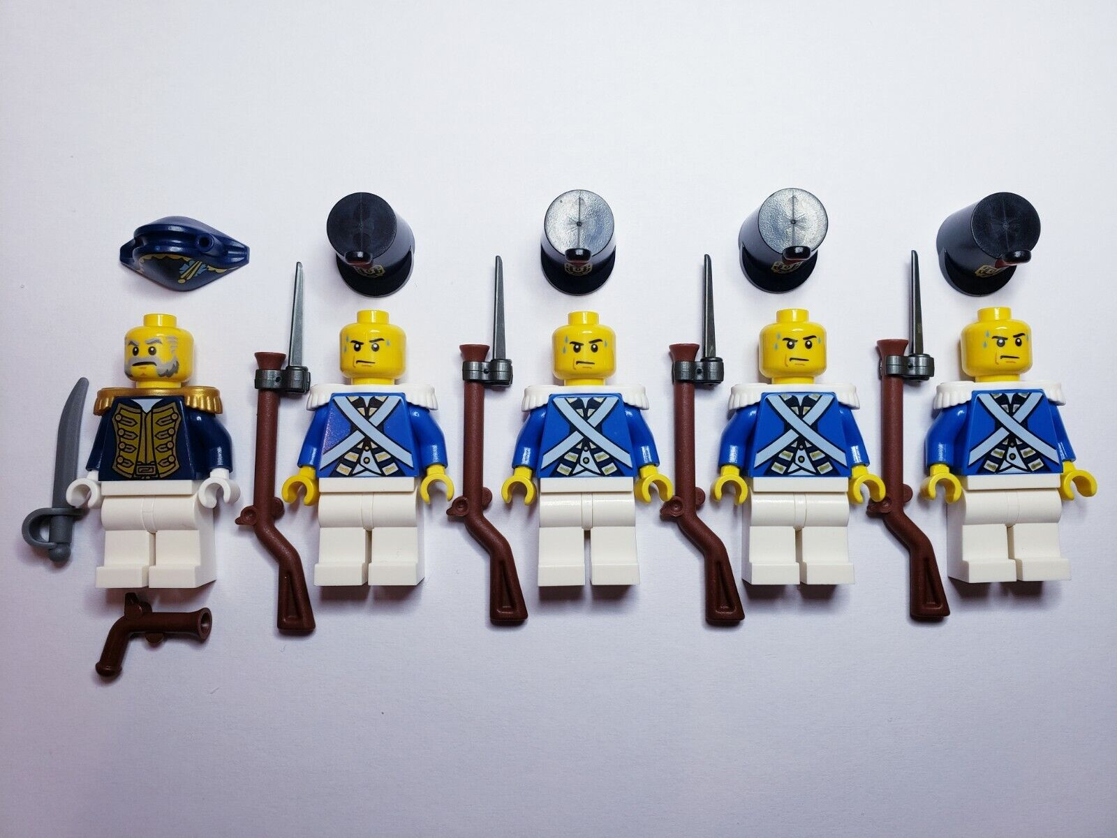 Lego PIRATE Imperial Guard blueECOAT Soldiers Governor MINIFIGS MINIFIGS MINIFIGS Musket + Bayonet dcc44d