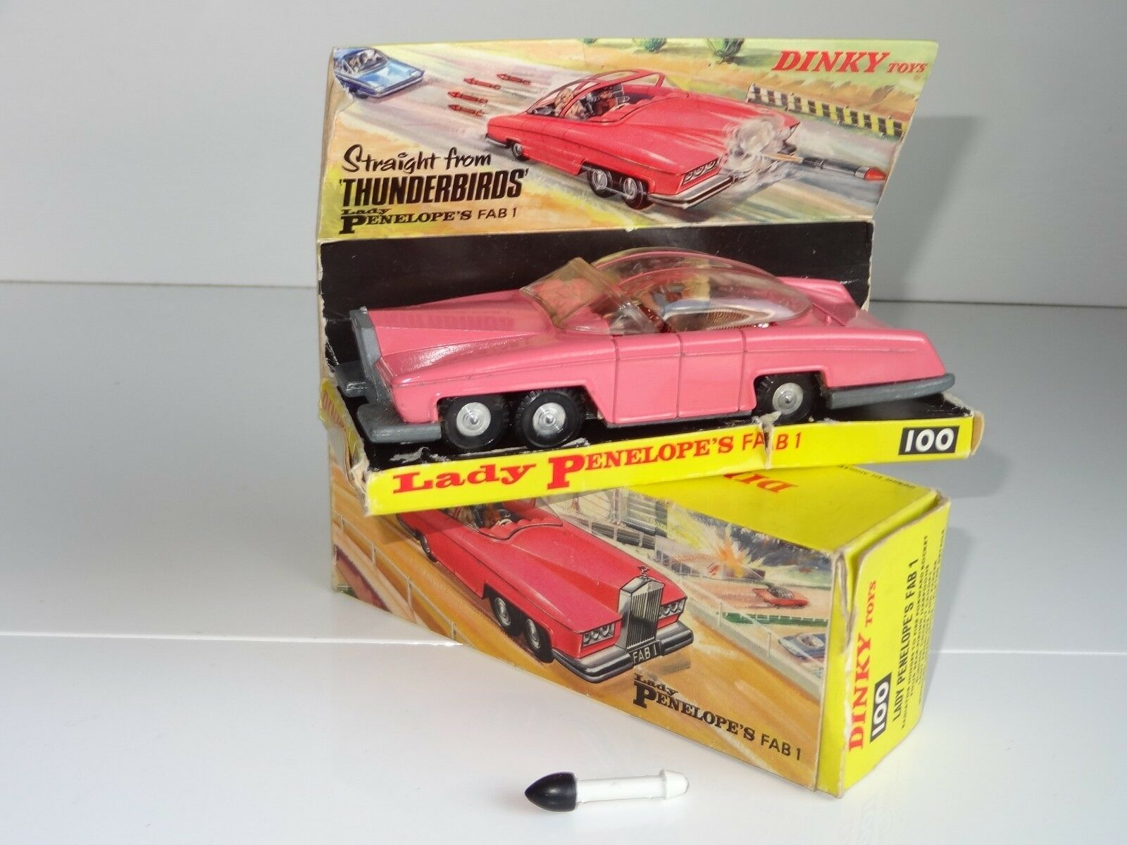 (W) dinky LADY PENELOPE FAB 1  - 100 with missile