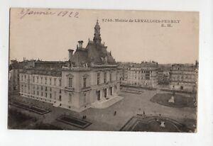 Rathaus-aus-Levallois-Perret-B556