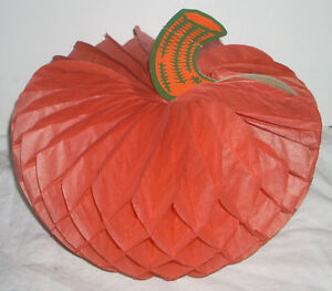 Vintage-7-5-Halloween-Honey-Comb-Pumpkin-Decoration-with-Original-15-Cent-Price