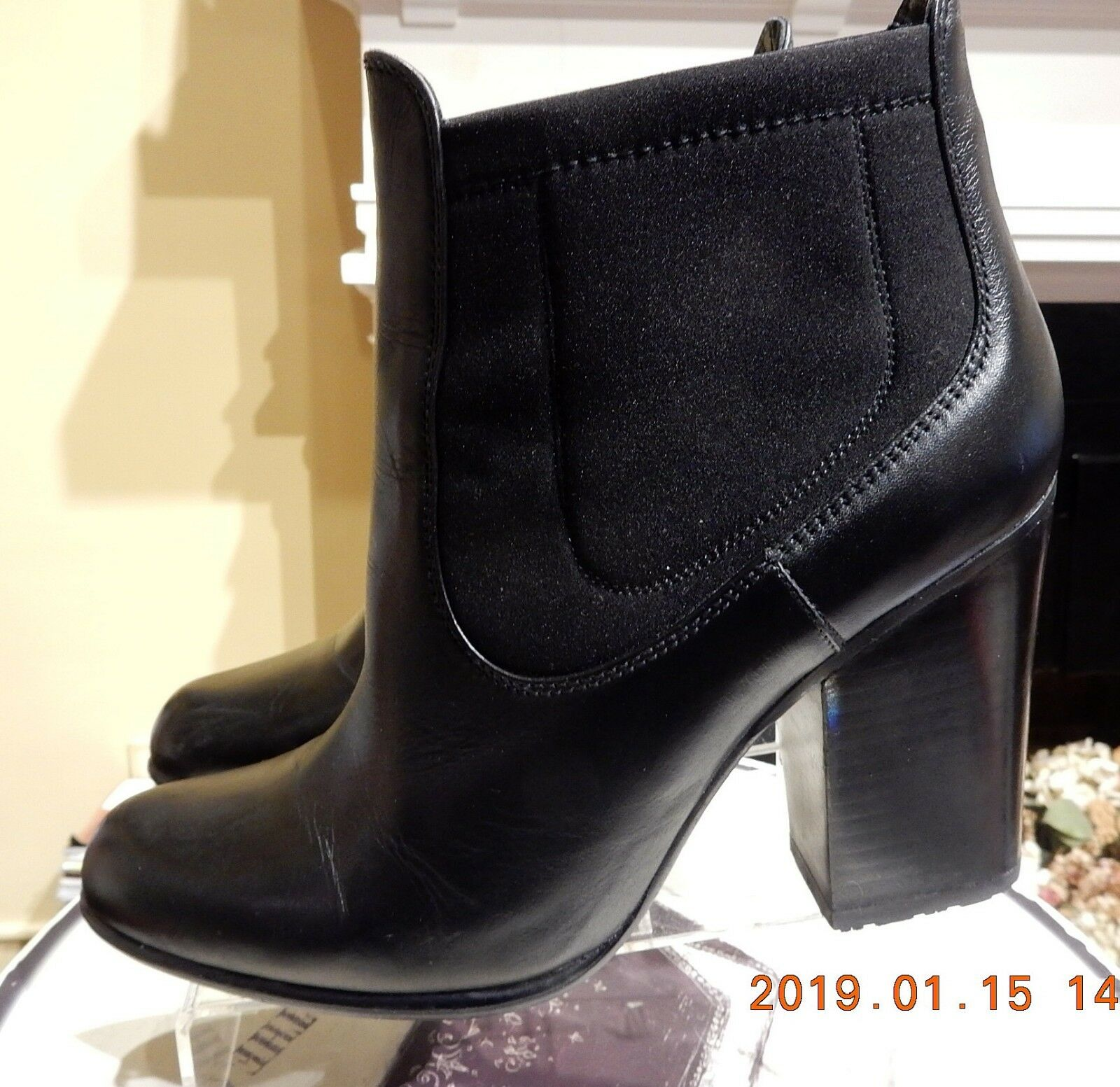 STUART WEITZMAN BLACK LEATHER 4  ANKLE BOOTS IN SIZE 9M