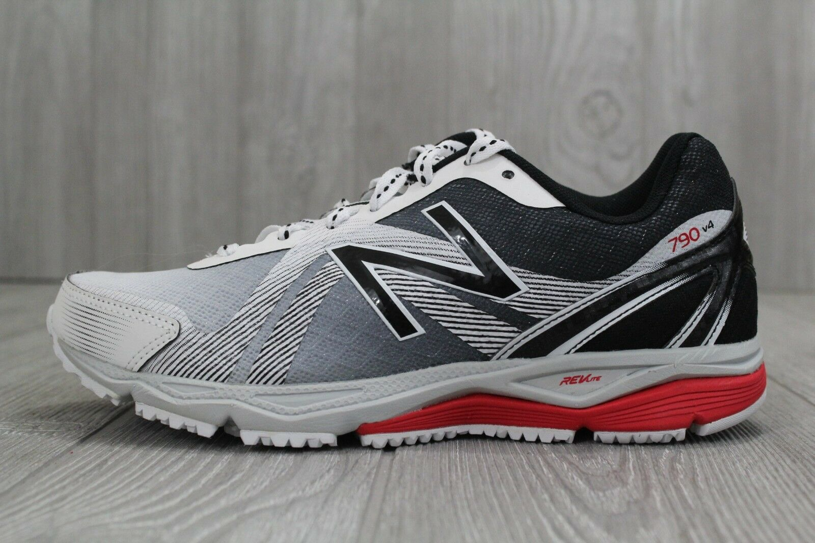 30 New Rare Mens New Balance shoes W790P4 White Red Sneakers Size 6.5 Medium D