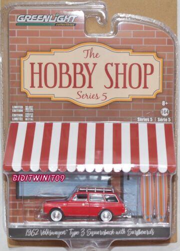 Greenlight Hobby Shop Serie 5 1962 Volkswagen Type 3 Squareback mit Surfboards