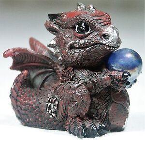 1-x-7cm-Burgundy-Red-Baby-Dragon-w-crystal-ball-Figurine-DRAGBYB-9319844525503