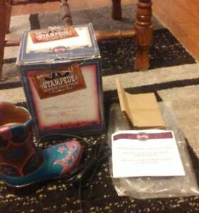 SCENTSY-Warmer-2011-FORT-WORTH-STAMPEDE-NEW-in-Box-COWBOY-BOOT