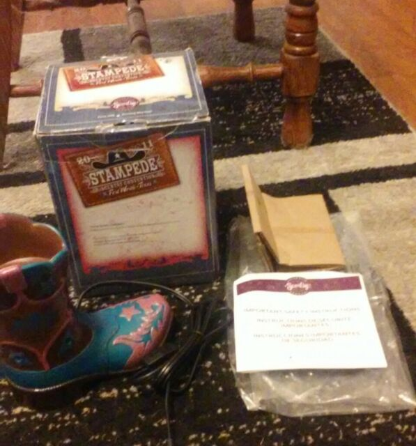 SCENTSY Warmer - 2011 FORT WORTH  STAMPEDE - NEW in Box ~COWBOY BOOT