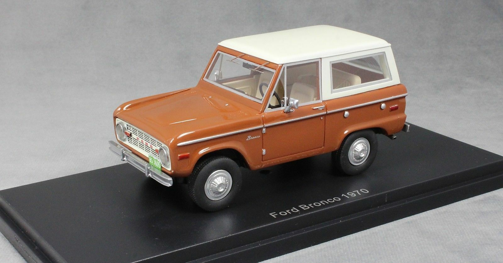 FORD USA BRONCO 1970 - 1 43 BoS  BEST OF SHOW NEUF