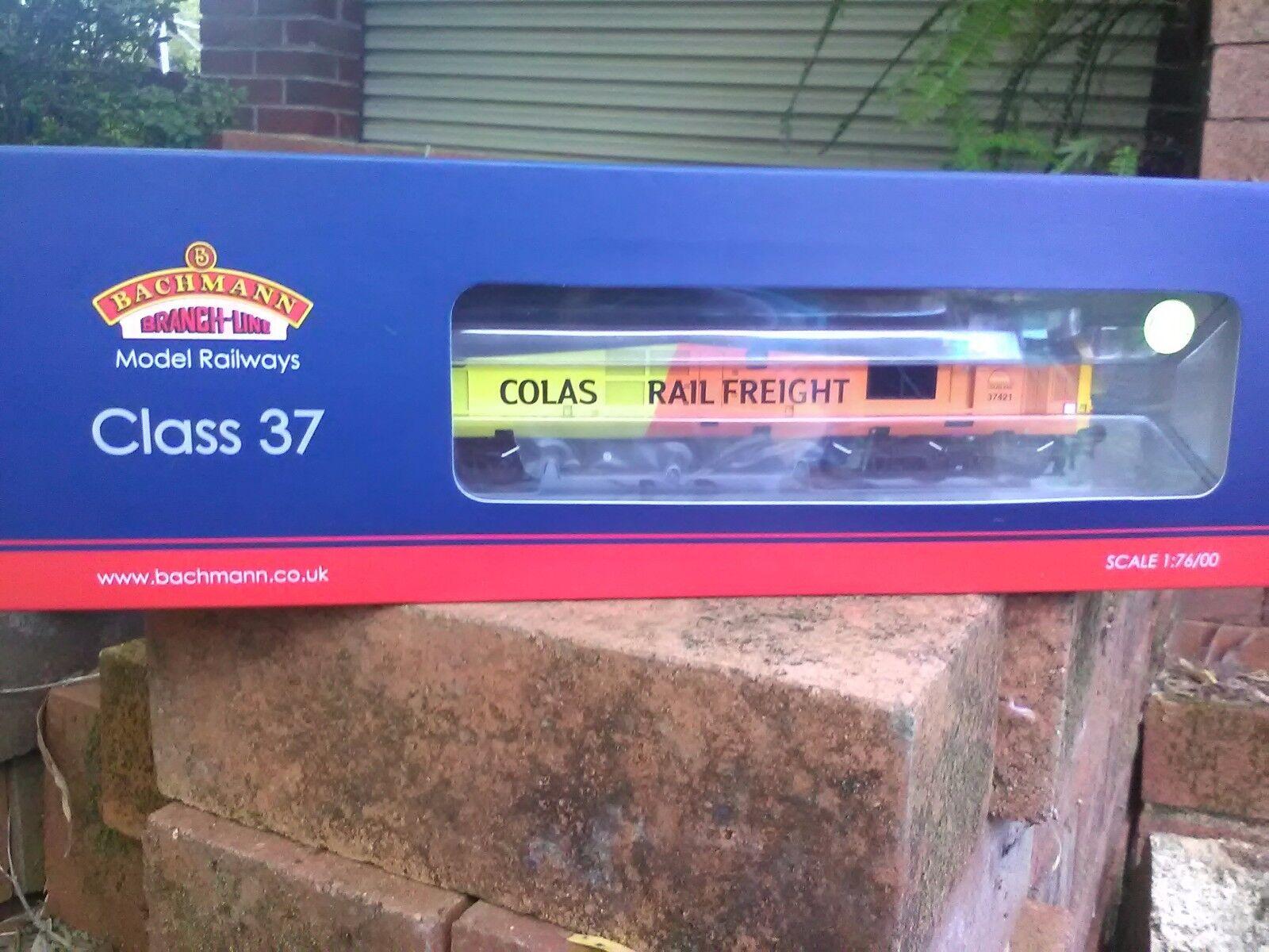 Bachmann 32 - 389 37   4 37421 Coras Railway bnib