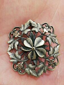 Broche Art Nouveau quadrilobe en métal argenté