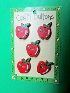 """(5) VINTAGE 1"""" RED APPLE GREEN LEAF WOOD 2-HOLE CRAFTY BUTTONS NOS (H59)"""