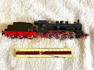 An-older-version-of-a-DB-Class-55-0-8-0-Steam-locomotive