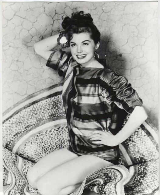 Esther Williams - Portrait Photo (10