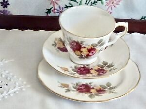 GORGEOUS-VINTAGE-BONE-CHINA-039-ROYAL-VALE-039-TRIO-MADE-IN-ENGLAND-NUMBERED