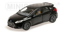 MINICHAMPS 110 082000 FORD FOCUS ST diecast road car black metallic 2011 1:18th