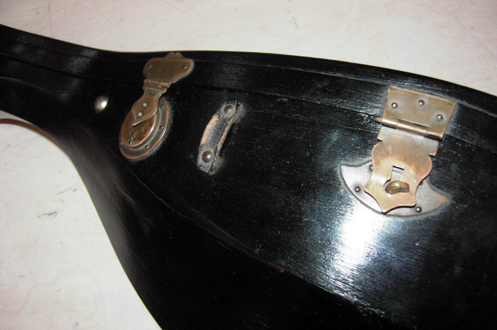 Schöne alte Mandoline von Vincenzo de Meglio 1910 unrestauriert mit Holzkoffer