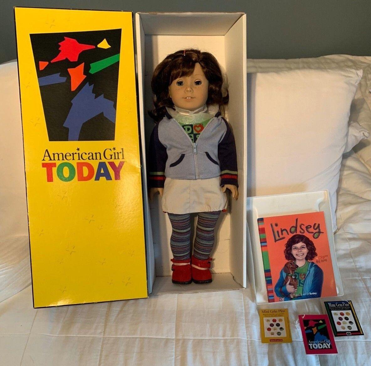 Nueva Muñeca American Girl Lindsey del año de 2001 con accesorios nunca quitado de la Caja GT2002