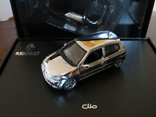 Cofanetto Coffret Renault Clio II RS Cromata Chromée Universal Hobbies 1/43