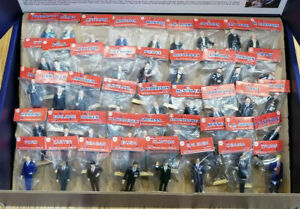 COMPLETE-SET-OF-44-PRESIDENTS-IN-BAGS-36-VINTAGE-MARX-8-NEW-DISPLAY-STAND
