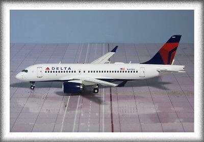 """Dapper Gemini200 (1:200) Delta Airlines Bombardier Cs100 """"n101du"""" G2dal701 Druppel Droog"""