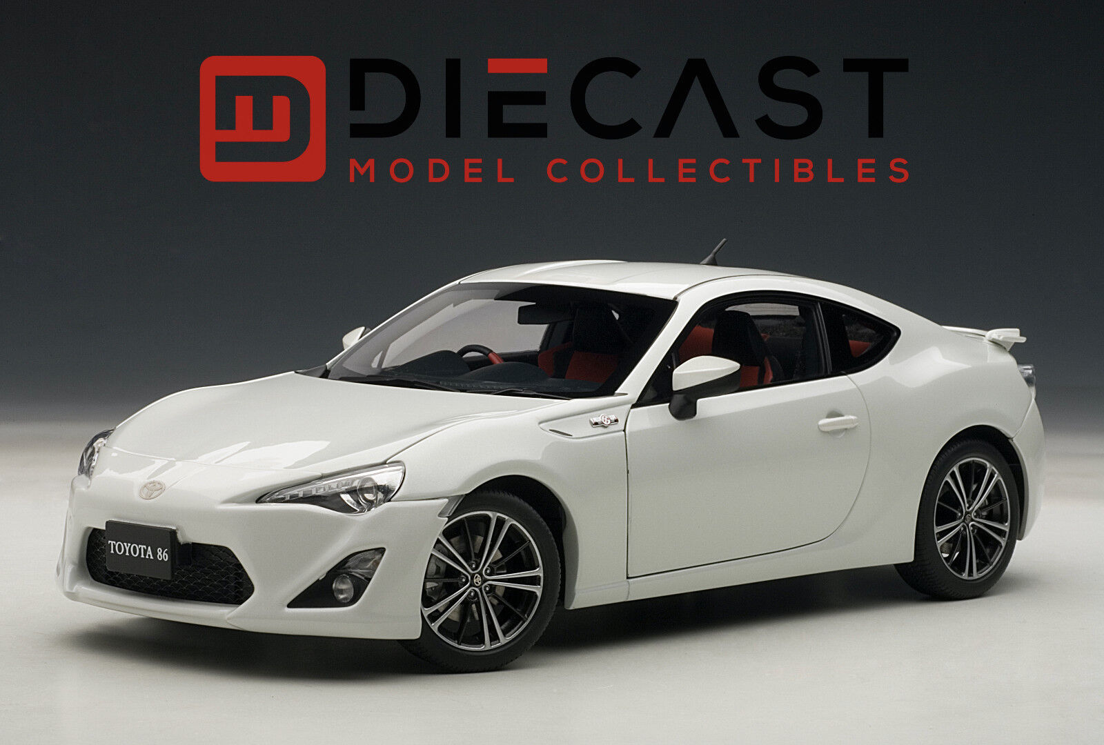 AUTOART 78773 TOYOTA 86 GT  LIMITED , ASIAN VERSION RHD, WHITE PEARL,1 18TH