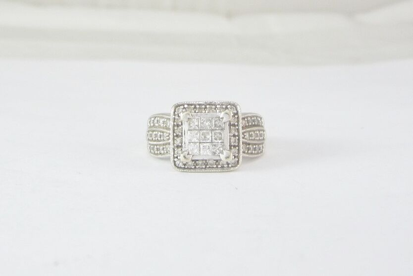 14K WHITE gold CLUSTER STYLE DIAMOND ENGAGEMENT RING 6.0 GRAMS