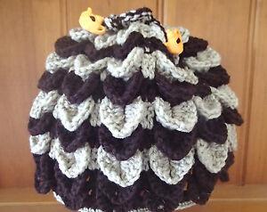 Hand-crochet-tea-cosy-in-brown-and-beige-yarns