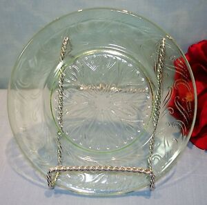 Green-Depression-Glass-U-S-Glass-Scroll-Bread-and-Butter-Plate-6-inch