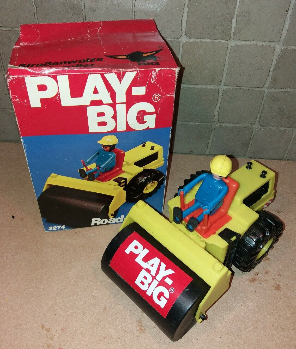 Playbig 2274   engin de chantier, rouleau.