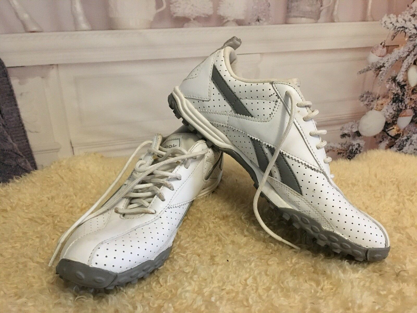 Reebok Women's White Grey Sneakers RB 602DJI 1-111523 Size 7 ½
