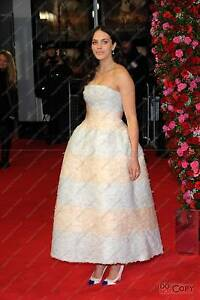 Jessica-Brown-Findlay-English-Film-TV-and-stage-Actress-Downton-Abbey-Photo